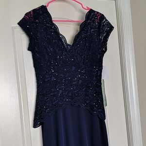 NWT Beautiful and flattering navy gown